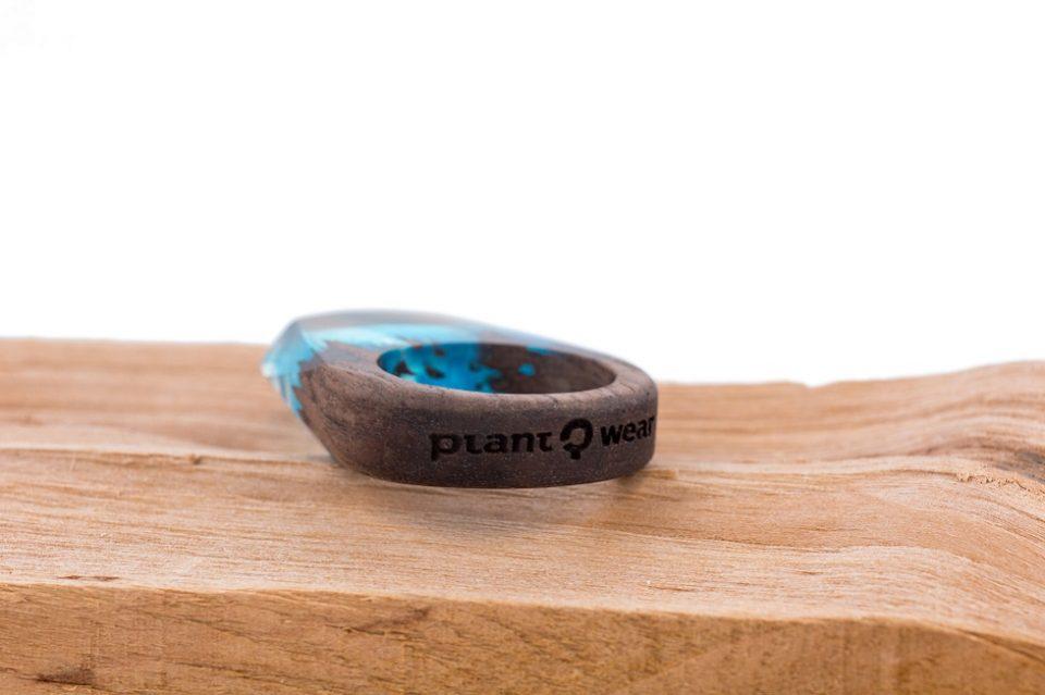 Drewniany pierścionek -blue-wave-3