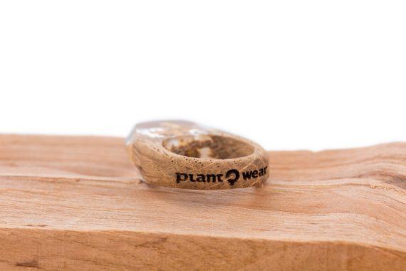 drewniany pierścionek-gold-2