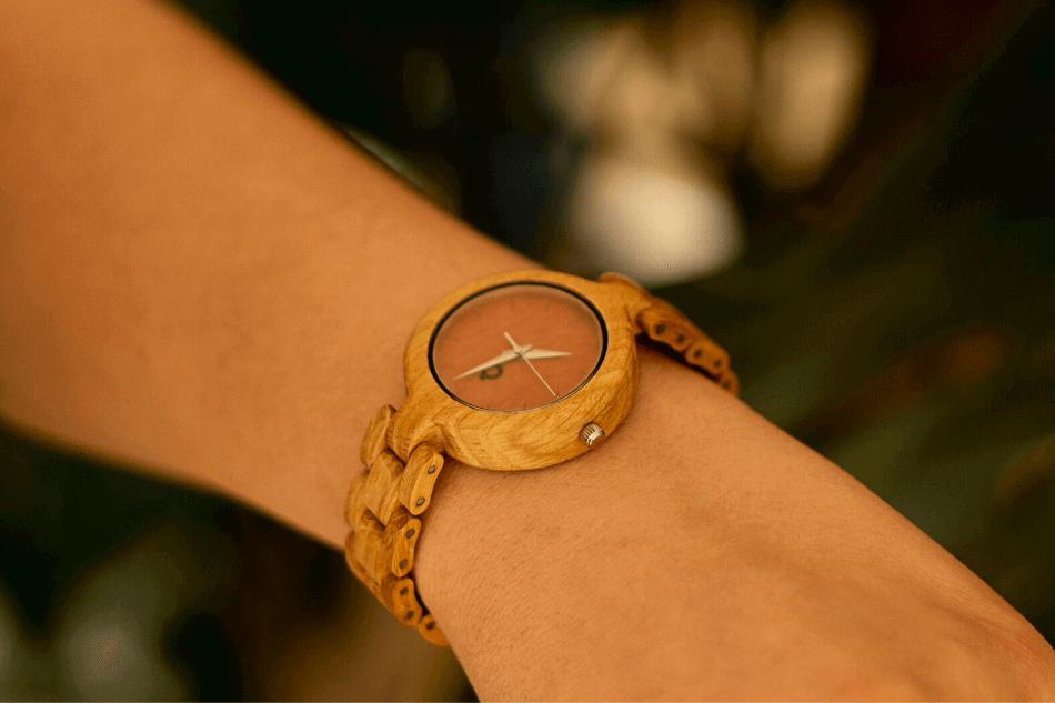 dlaczego zegarek paruje