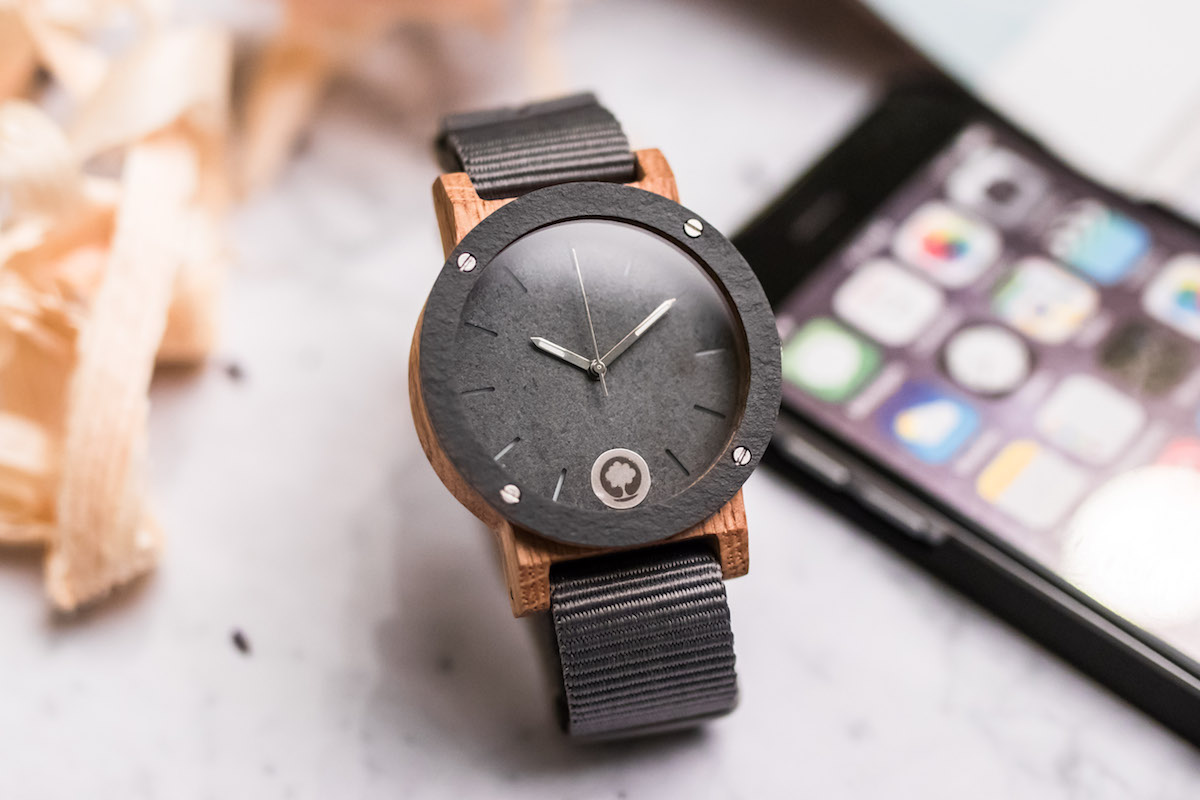 Zegarki na rękę w dobie telefonów - czy wciąż warto je nosić