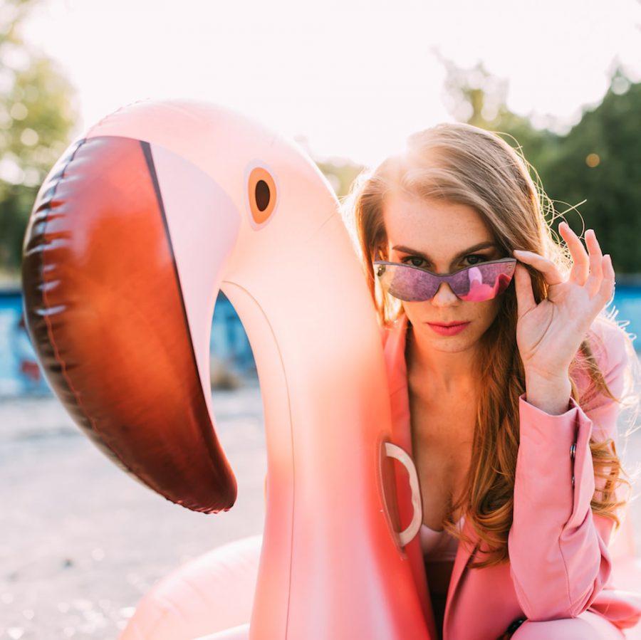 okulary przeciwsloneczne lustrzana soczewka rozowe