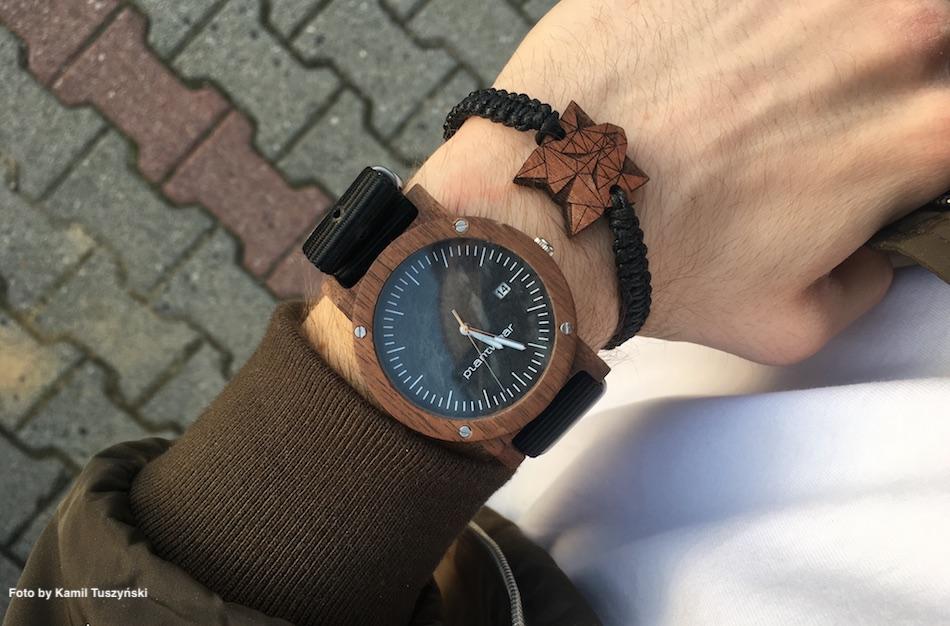 drewniany zegarek meski i bransoletka