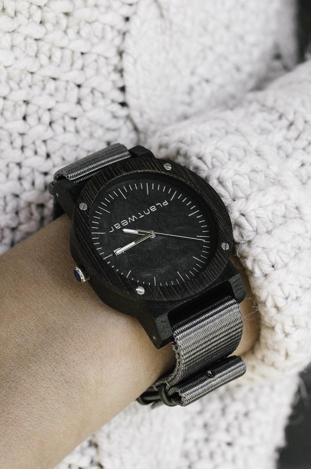 drewniany zegarek plantwear raw heban