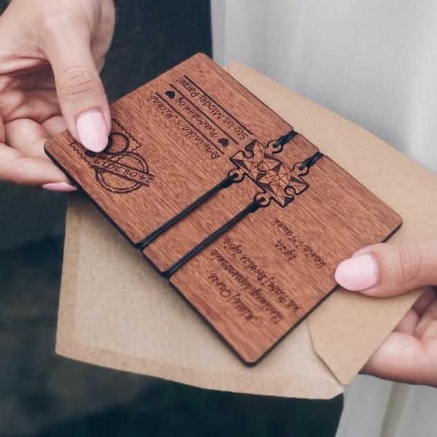 kartka-śluba-z-drewna