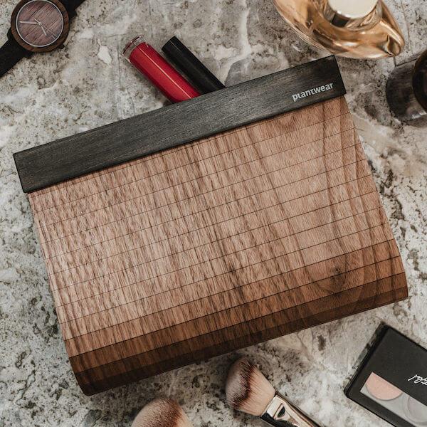 drewniana torebka kopertówka orzech