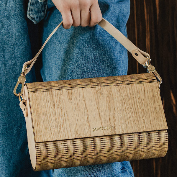 drewniana torebka flap dąb