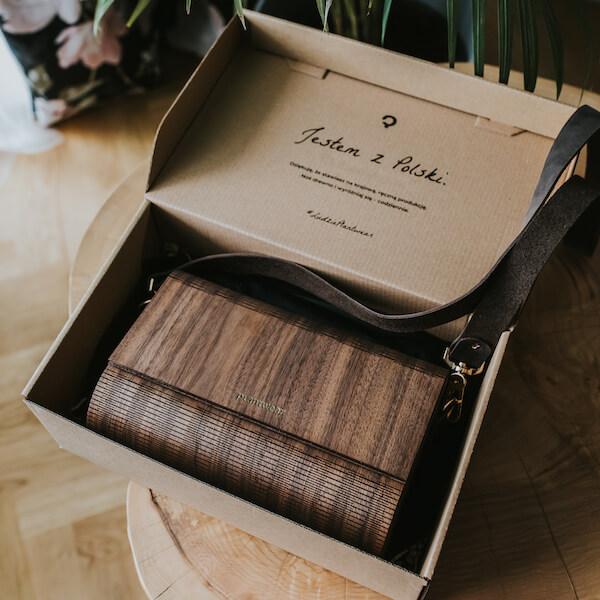drewniana torebka