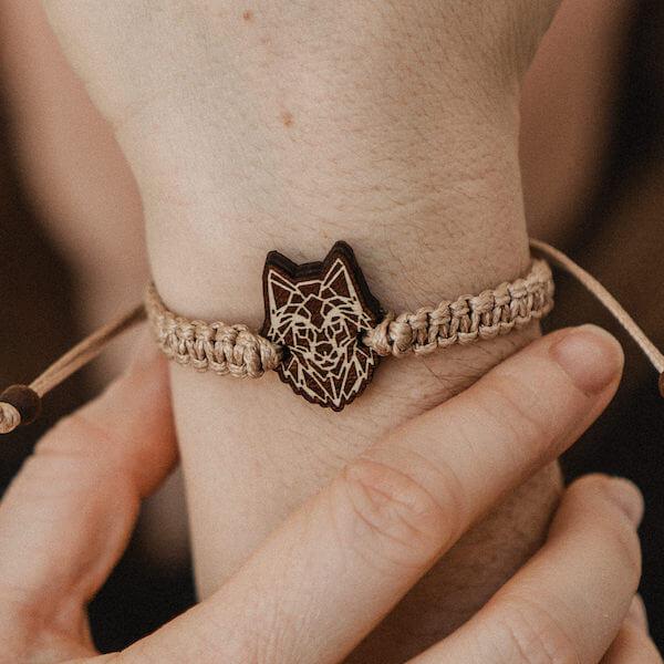bransoletka z wilkiem
