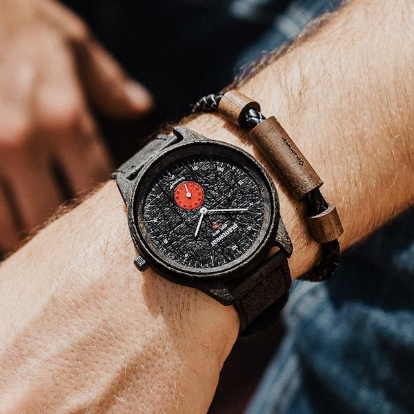 drewniany zegarek pure carbon