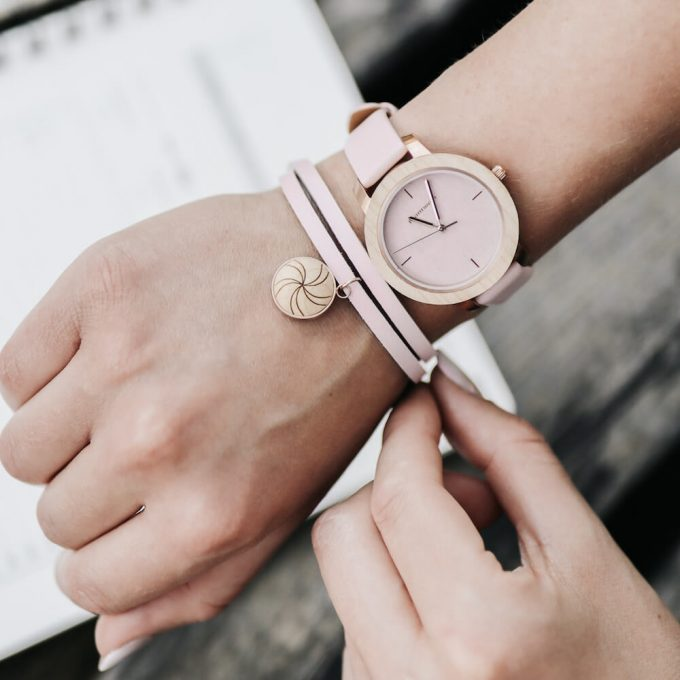 drewniany zegarek Plantwear, różowy zegarek, zegarek fusion, skórzana bransoletka Plantwear