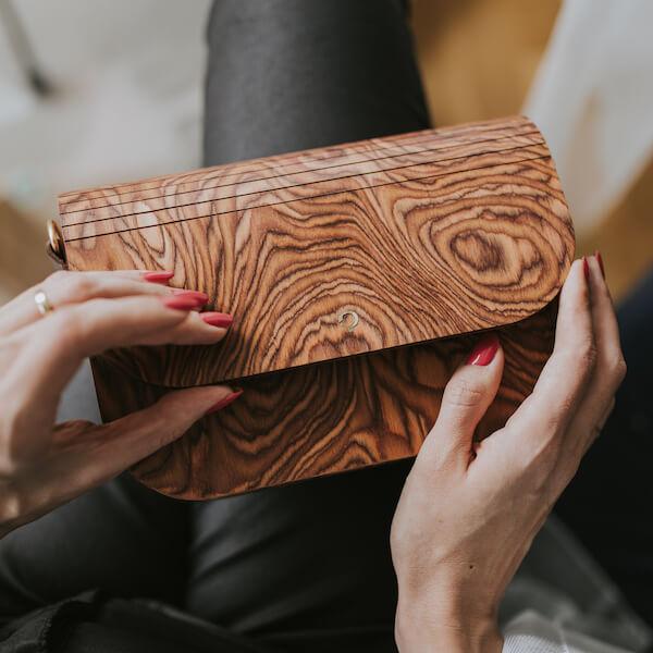 drewniana torebka nature groove muscato